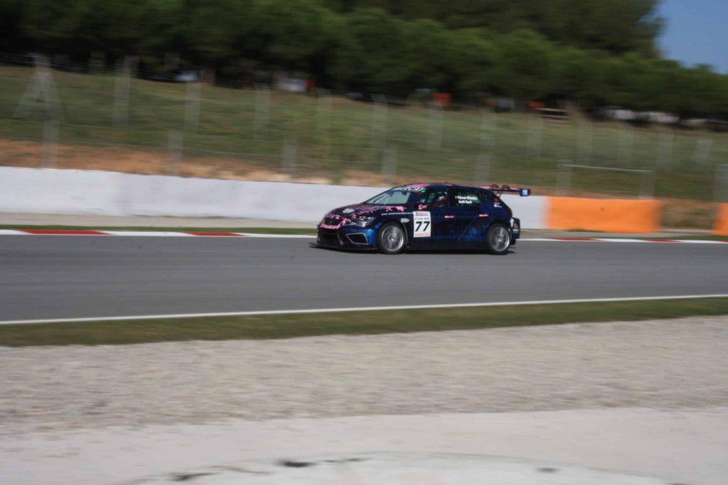 Jordi Gené conduciendo el Cupra en las GT-CER 2020